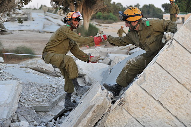 Flickr_-_Israel_Defense_Forces_-_A_Helping_Hand